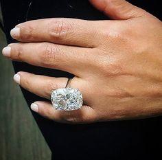 25 carat cushion cut diamond ring on We Heart It Cushion Cut Diamond Ring, Cushion Cut Diamonds, Diamond Heart, Wedding Rings Solitaire, Wedding Rings Vintage, Wedding Bands, Modern Jewelry, Fine Jewelry, Jewelry Rings