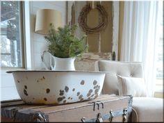Vintage design vintázs lakásdekorációk Vintage Decor, Vintage Designs, Clawfoot Bathtub, Wabi Sabi, Rustic Furniture, Shabby Chic, Modern, Home Decoration, Trendy Tree