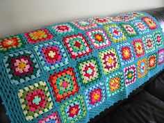 Transcendent Crochet a Solid Granny Square Ideas. Inconceivable Crochet a Solid Granny Square Ideas. Granny Square Crochet Pattern, Crochet Squares, Crochet Blanket Patterns, Crochet Granny, Love Crochet, Crochet Gifts, Crochet Hooks, Knit Crochet, Crochet Blankets