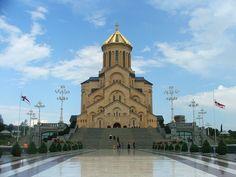 A Catedral de Sameba em Tbilisi, na Geórgia, sede do Patriarca da Igreja Ortodoxa Georgiana. Fotografia: Monika.
