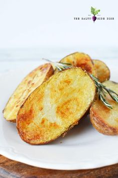 Oven Roasted Large Melting Potatoes with a Crispy shell and soft center, a perfect potato side dish that is hearty, filling, and compliments any meal Potato Sides, Potato Side Dishes, Side Dishes Easy, Vegetable Dishes, Best Baked Potato, Baked Potatoes, Party Potatoes, Ranch Potatoes, Russet Potatoes