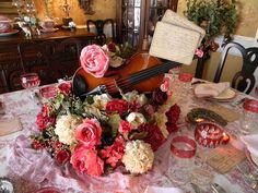Valentine's Day Table .. LOVE that Centerpiece..