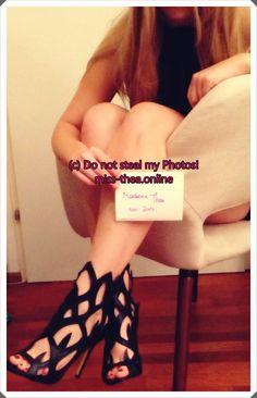 #findom #legs#feet#misstheaonline#cashqueen