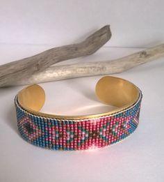 Manchette Bracelet bijou tissé motif géométrique style par izbulle