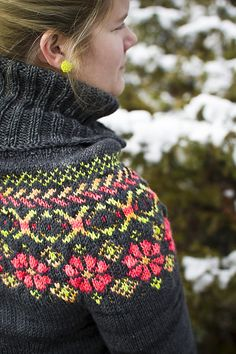Ravelry: Winter Doldrums pattern by Carla Pletzer Cool knitting pattern for winter. Fair Isle Knitting Patterns, Fair Isle Pattern, Knitting Stitches, Knitting Designs, Knit Patterns, Free Knitting, Sock Knitting, Knitting Tutorials, Vintage Knitting