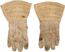 George Armstrong Custer: His Personal Indian War Era Lambskin Gauntlets with Family Provenance. American Civil War, American History, Native American Crafts, American Indians, George Custer, Battle Of Little Bighorn, George Armstrong, United States Military Academy, Union Army