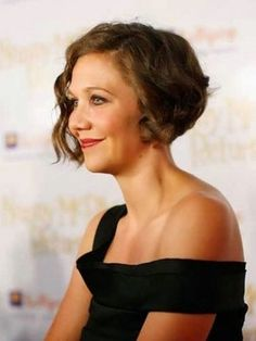 Short Hairstyles For Wavy Hair Older Women