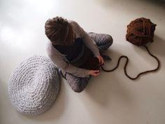 make a mega-crochet pouf...I'm totally gonna make this!