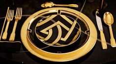 Ralph Lauren Home New York City Style on Pinterest | Gold Art ... www.pinterest.com736 × 412Pesquisar por imagens Ralph Lauren Home One Fifth Collection Black and Gold Art Deco Feminine Cat New York City