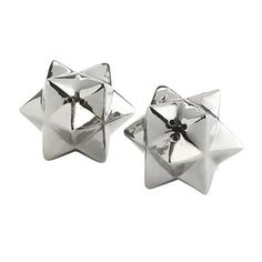 Absolutely love these salt and pepper shakers. Simple, modern, and add decor to the kitchen