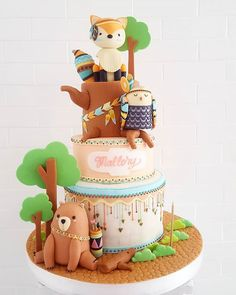 Cuuuutest tribe ever!  #woodland #tribal #birthdaycake #sugarplumpastries Deco Cupcake, Cupcake Cakes, Beautiful Cakes, Amazing Cakes, Gateau Baby Shower Garcon, Fox Cake, Cupcakes Decorados, Woodland Cake, Animal Cakes