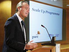 Presidiendo el acto de presentación del programa 'Scale Up', Aceleradora de Empresas del Sector Tradicional