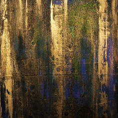Das Gemälde ist mit Acryl bemalt und wasserbasierte gold Spray auf Leinwand.  ------------------------------------------------------------------------------------------------------ Titel: Genau hinsehen Größe: 12 x 12 (30 cm x 30 cm) - gestreckt Leinwand Zustand: Neu Kanten: Lackiert in schwarz Farben: Gold, blau, grün Oberfläche: Lackiert glänzend  ------------------------------------------------------------------------------------------------------  Bitte beachten Sie, dass der Preis…