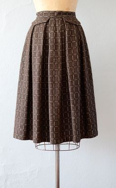 VINTAGE 1940S BROWN WOOL GRID PATTERN SKIRT // Hershey Bar Skirt by Adored Vintage #1940s #40svintage #vintageskirt