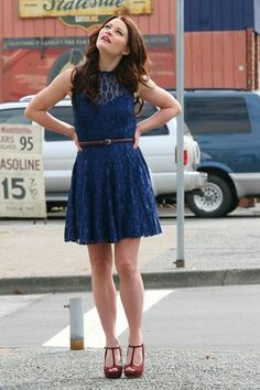 "Love the dress,its pretty with the heels too ^.^ | Belle, ""Once Upon a Time"" (Season 2, Episode 4)"