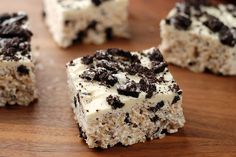 Oreo Rice Krispie treats. Love sending desserts to my big and little brother and sister (and for pooks and I on cheat days!) we will be making this SOON!