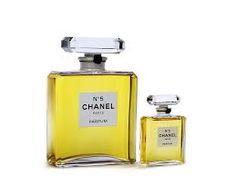 Resultado de imagem para fotos de perfume