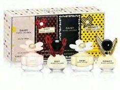 Marc Jacobs Variety 4 Piece Mini Gift Set - http://www.theperfume.org/marc-jacobs-variety-4-piece-mini-gift-set/