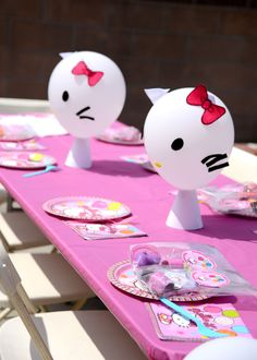 """Hello Kitty Birthday Party - white balloons and construction paper - cute! """"  (balloon popping surprise game???)"""
