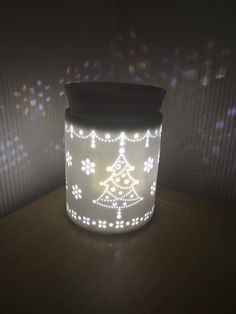 Tinsel Element Warmer from Scentsy's Holiday Collection 2017. Check out the full Holiday Collection .