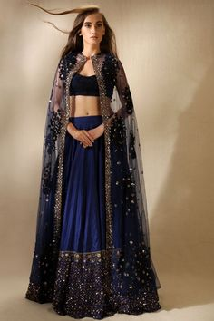 Royal Blue Lehenga Choli With Net Jacket For Reception India Fashion, Asian Fashion, Look Fashion, Party Fashion, Silk Lehenga, Bridal Lehenga, Royal Blue Lehenga, Cape Lehenga, Black Lehenga