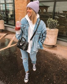 schöne Winteroutfits - College-Look Beanie Outfit, Hoodie Outfit, Winter Fashion Outfits, Fall Winter Outfits, Mode Ootd, Looks Vintage, Mode Inspiration, Mode Outfits, Mode Style