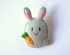 """Bunny felt brooch, grey, """"Jumper"""""""