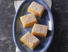 Lemon bars are a classic bar to make any time of year. This lemon bars recipe is one of the easiest you& find. Baking Recipes, Cookie Recipes, Dessert Recipes, Bar Recipes, Baking Desserts, Lemon Recipes, Yummy Treats, Sweet Treats, Cookies