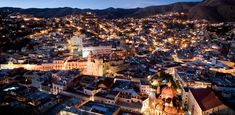 Falling in love with Guanajuato, it´s easy. With its amazing places full of color and history, its warm atmosphere of peace and tranquility, and the beautiful people that lives there, you'll feel that your dreams are coming to life. Perhaps this is why UNESCO has named it a World Heritage Site.