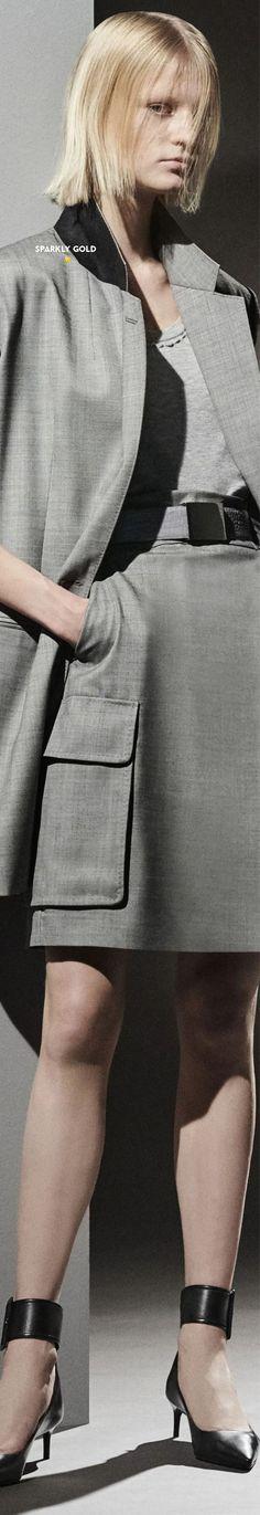 Max Mara Pre-Fall 2021 Color Fashion, Grey Fashion, Black And Grey, Gray, Max Mara, Catwalk, Couture, Lifestyle, Fall