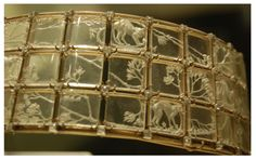 Lalique  1906-08 'Cats' choker: rock crystal/ gold/ diamonds: signed on the upper edge by the clasp: museo.gulbenkian.pt