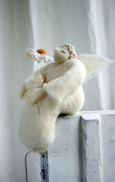 Dreamy Angel with A Daisy Needle Felted by FeltArtByMariana