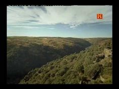9 Portuguese language - Selected videos showing de differences of accents rhythm, sound and expressions of Portuguese language located in the country map. This section intends to clarify relations between language, local history, landscape, cultural and anthropologic values. Emphasis will be given to the unique forms of using the language, from Alentejo, Lisboa, Beiras, Porto, Minho, the Islands and the second official Language of Portugal the Mirandês language.