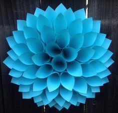 Pretty Paper Dahlia Wreath – DIY Wall Art  #Diy #WallArt #HomeDecor