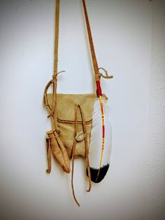 Mountain Man Rendezvous Pouch - Native American Cross Body Bag - Medicine  Bag - Medicine Pouch - Tejas Leather - Boho Cross Body Bag fef3dc6aa557