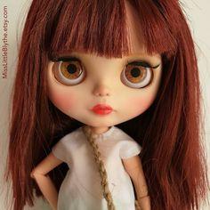 Un preferito personale dal mio negozio Etsy https://www.etsy.com/it/listing/503792268/ooak-custom-blythe-doll-fake-fabiola