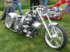 Radial Motorcycle 1    Custom motorcycle built with a 7-cylinder radial engine from the Australian company Rotec Engineering. Builder is JRL Cycles of Black Hawk, South Dakota, who also a distiributes the Rotec radial engines in the USofA.