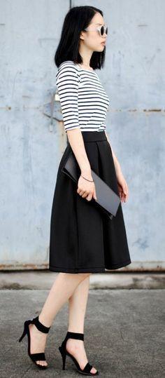 A Pleat Midi Skirt - Black