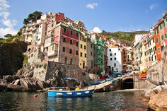 just learned how to pronounce it.. cinque tere.  I'll be there in 6 weeks!