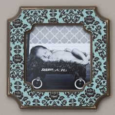 Vintage-style picture frame