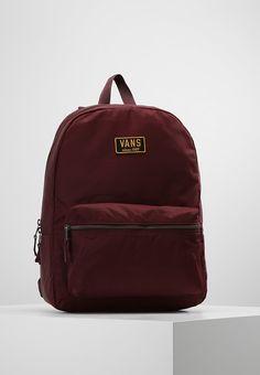 bec89b4086a ¡Consigue este tipo de mochila de Vans ahora! Haz clic para ver los detalles