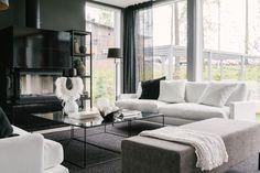 Kaupallinen yhteistyö Asennemedian ja Pohjolan Design-Talon kanssa Viime tiistain vesisateessa lähdin ajamaan Mikkeliin ja tutustumaanDesign-Talon messukohteeseen, moduulitalo Palaan. Aiemmassa postauksessa esittelinkin jo Pala-järjestelmän ideaa, jossa moduuleista voi helposti koota kompaktin kaupunkitalon ja jota on mahdollista myös laajentaa osa kerrallaan. Asuntomessujen talo on suunniteltu kuvitteelliselle amerikkalais-suomalaiselle nuorelle pariskunnalle ja sisustuksesta…