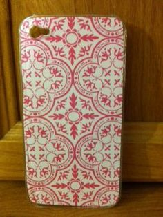 Pink and White designed background with case for iPhone 4/4s is $10.00.         -MK Creations