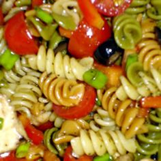 Greek Pasta Salad.... SO GOOD!!