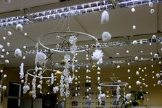 quicker hanging decorations for winter class party?