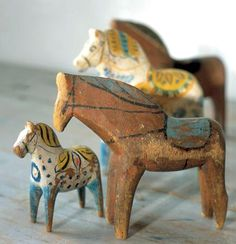 Being a lover of Scandinavian Folk Art, it's not a surprise at all that I love the Dala horse.), I love the birds of folk art, the flowers, the trees and of course the Dala horse. Swedish Decor, Swedish Style, Swedish Design, Nordic Style, Scandinavian Folk Art, Wooden Horse, Horse Sculpture, Arte Popular, Equine Art