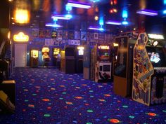 This is the feel i want to go for on the old school portion of the arcade, I really like the carpet Bg Design, House Design, Gravity Falls, Arcade Room, Nostalgic Pictures, Retro Arcade, Neon Aesthetic, Aesthetic Vintage, Weird Dreams