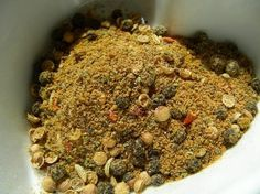 Bo-Kaap Cape Malay Curry Powder - South African Spice Mixture Read more… Homemade Spices, Homemade Seasonings, Homemade Curry, South African Recipes, Indian Food Recipes, Africa Recipes, Spice Blends, Spice Mixes, Mixture Recipe