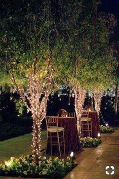 8 Romantic Backyard Wedding Decor Ideas On a Budget