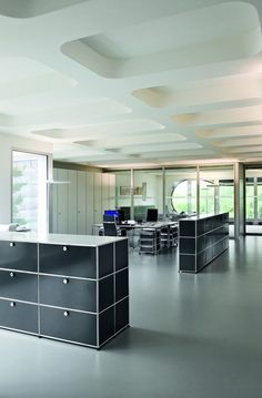 Example for efficient space management with USM Haller storage systems in anthracite. www.usm.com